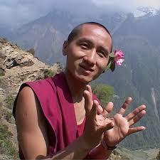 """""""תודעה שלווה בעולם עתיר כעסים"""" – עם הנזיר גשה טנזין זופה"""